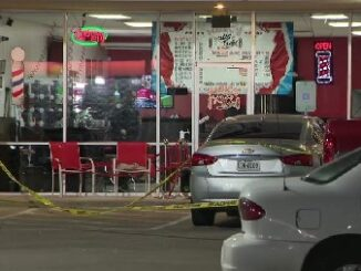 Father shoots barber 3 times during argument over his son's haircut