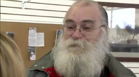 Man Gives Back $43k Cash He Found In A Thrift Store Couch.