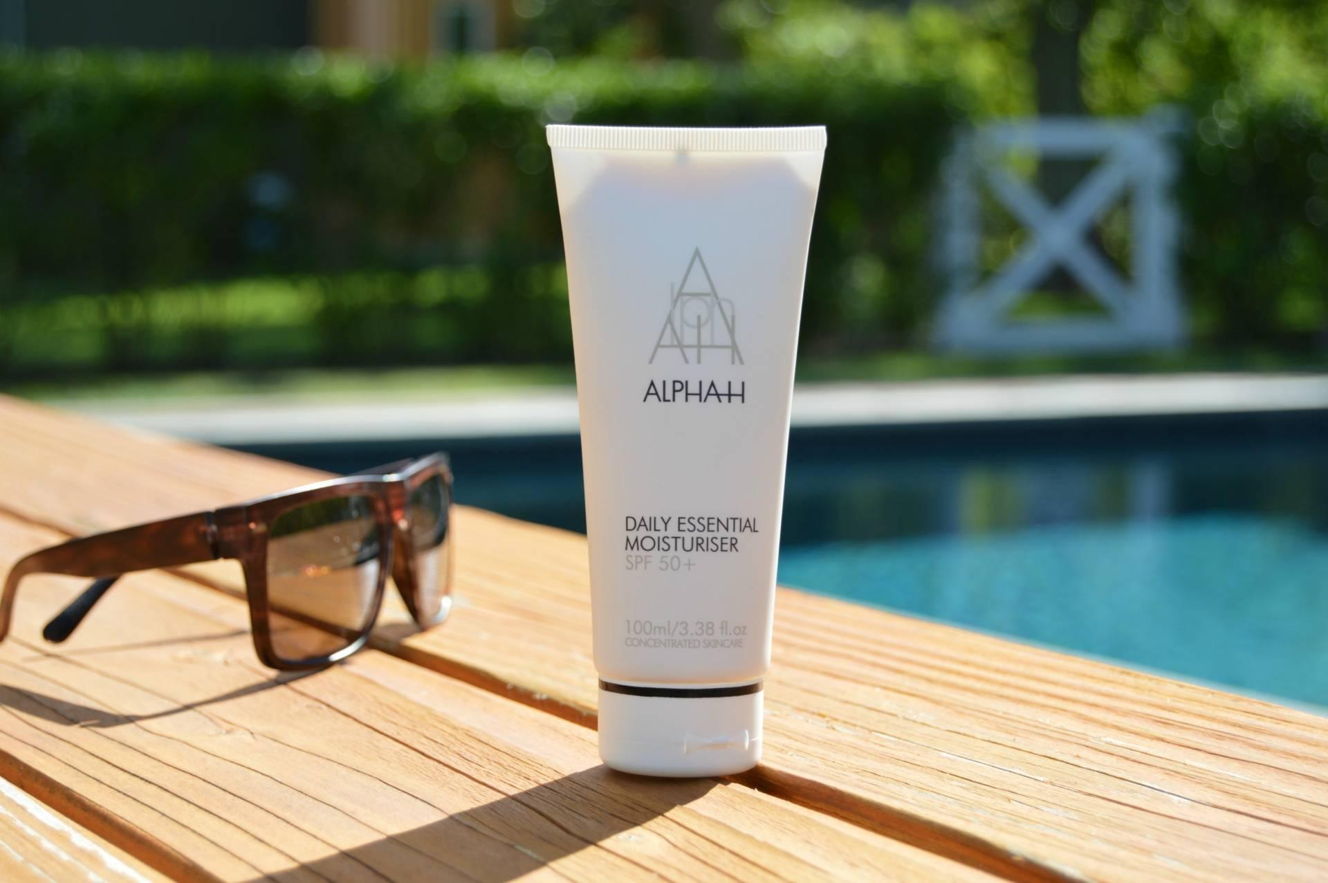 ALPHA H inhautepursuit review daily essential moisturiser spf 50 sunscreen