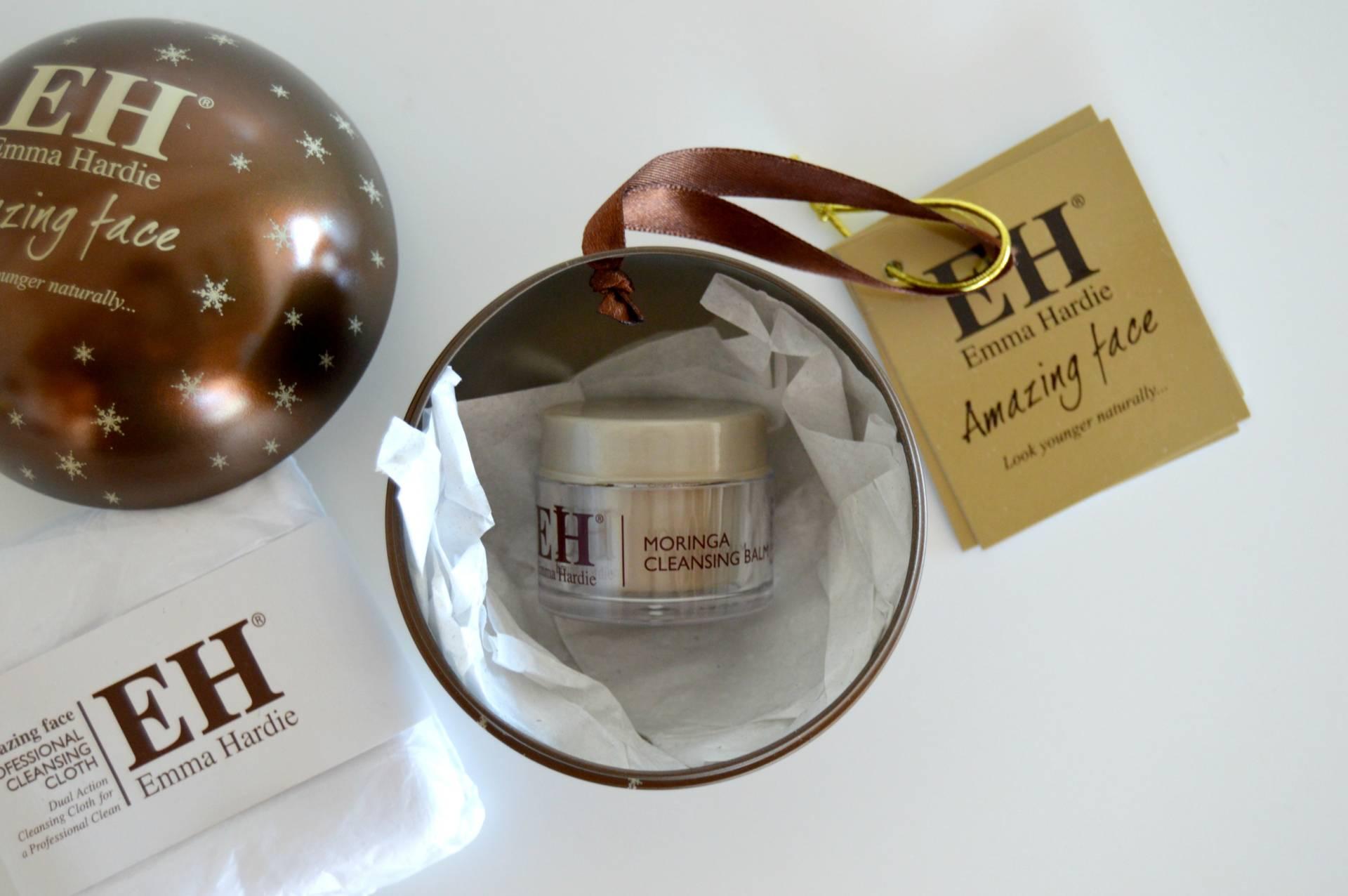 emma-hardie-mini-moringa-cleansing-balm-christmas-ornament-review-inhautepursuit