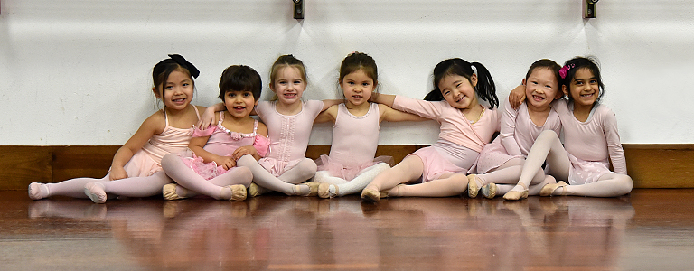 Young dancers are ready for ballet lessons