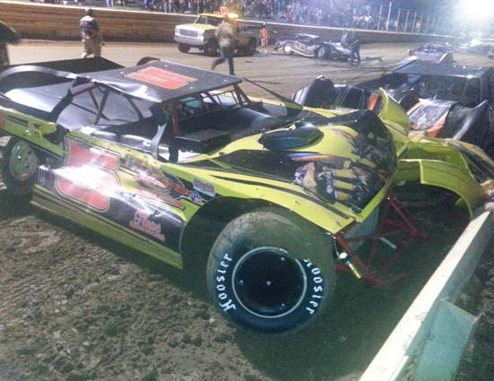 Glenn Elliott, Zack Mitchell, Dean Bowen in wreck