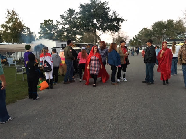 camp-clearwater-at-white-lake-2016-in-october-trick-or-treat-4