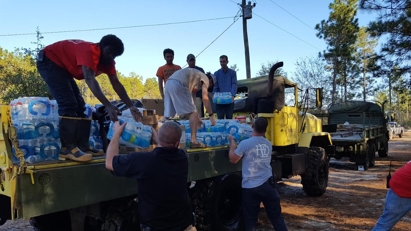 flood-blocked-white-oak-community-getting-help-10