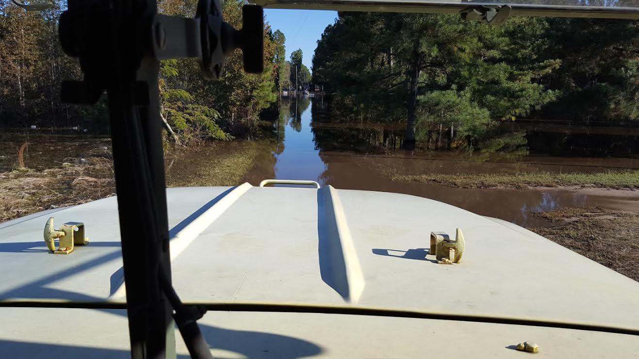 flood-blocked-white-oak-community-getting-help-4