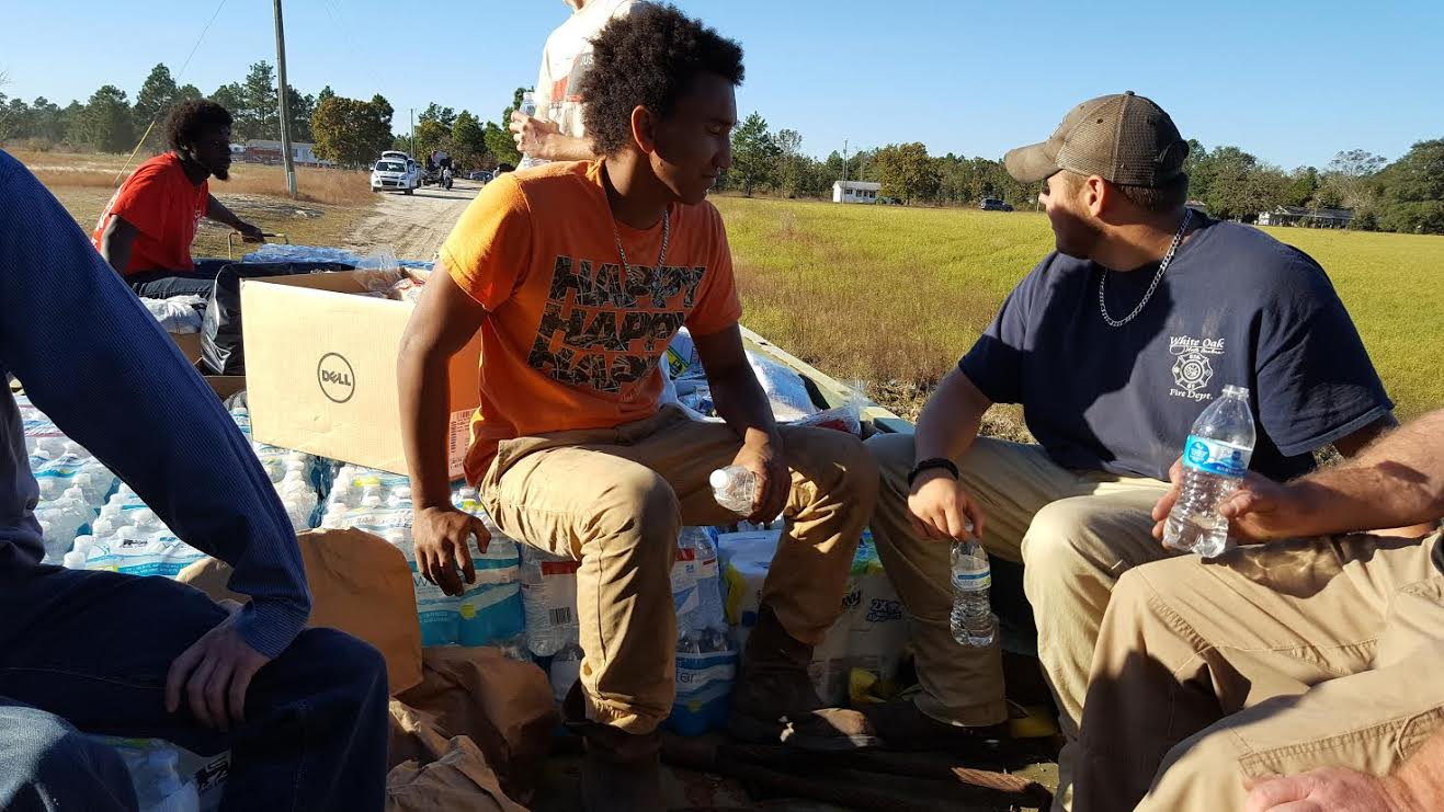 flood-blocked-white-oak-community-getting-help-5