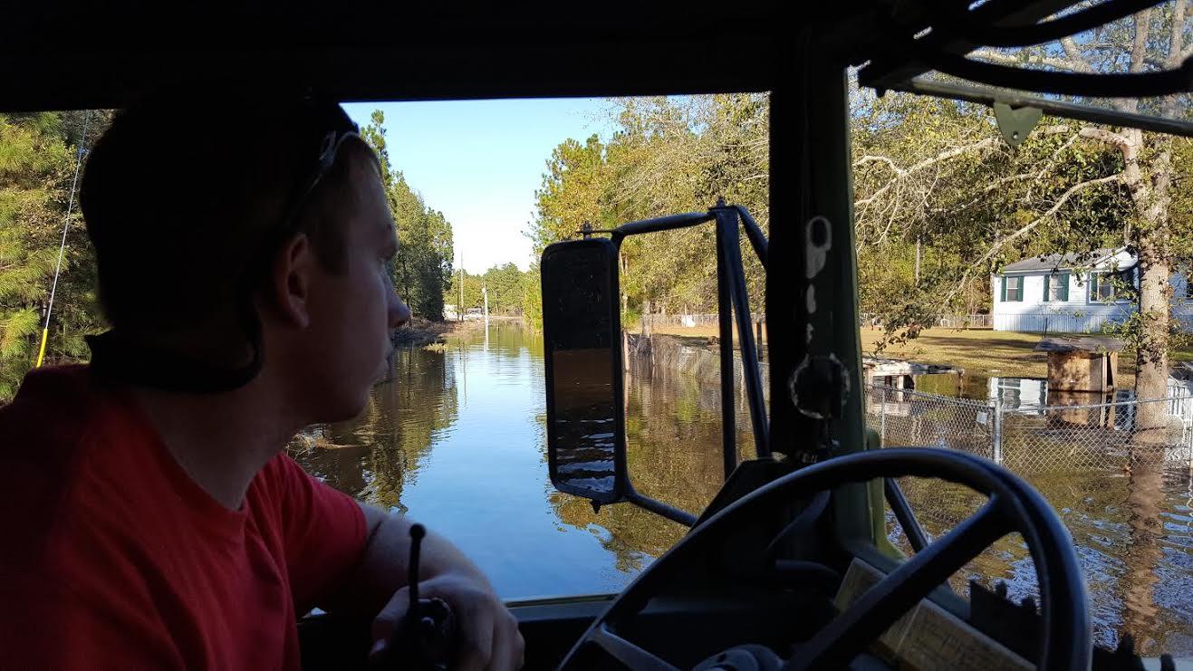 flood-blocked-white-oak-community-getting-help-6
