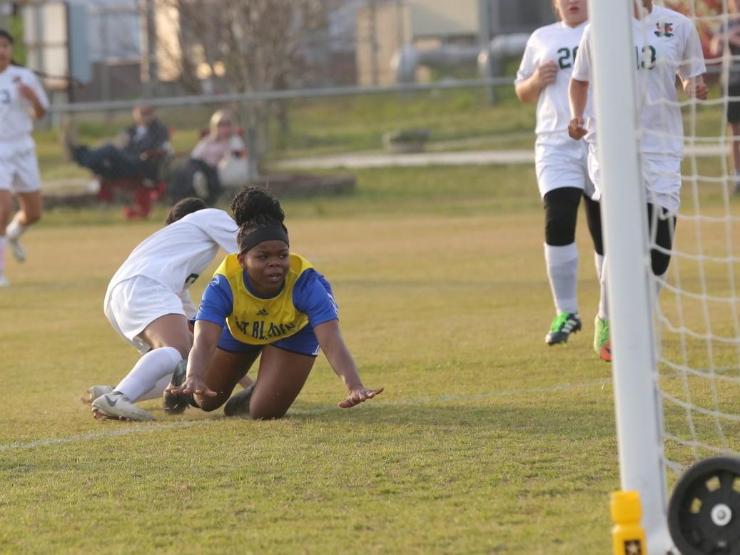 East Columbus vs East Bladen girls soccer 4