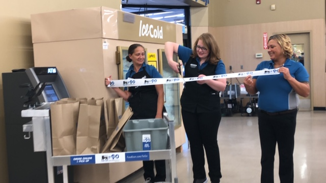 Food Lion to Go Ribbon Cutting 4