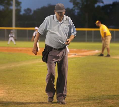 Elizabethtown_Lumberton_Coach_Pitch_09
