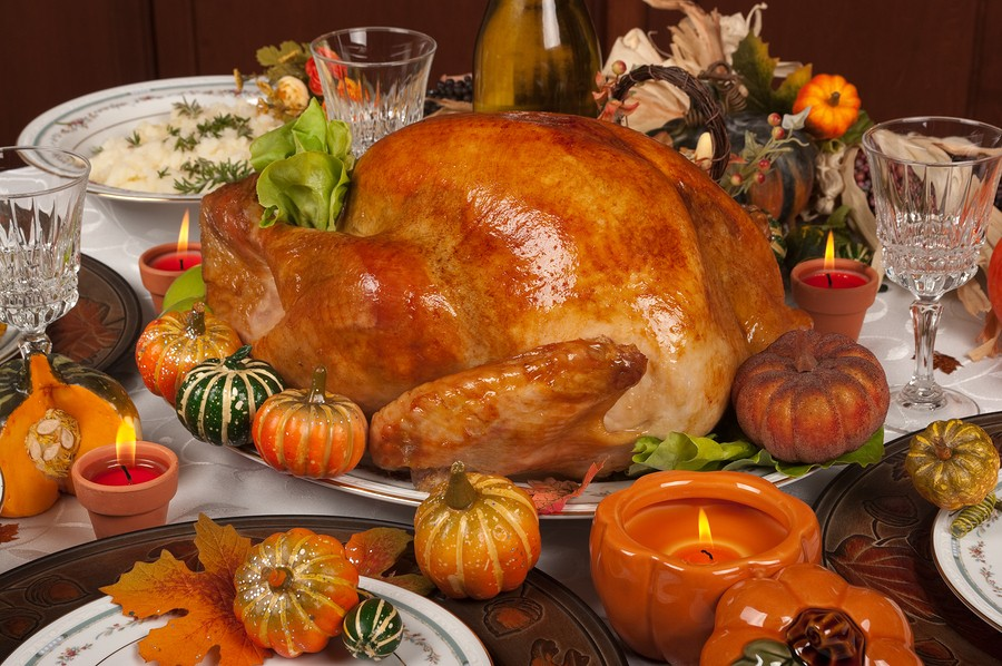 5 Simple Rules for serving a Safe Holiday Buffet  {How long can food sit at room temperature?}