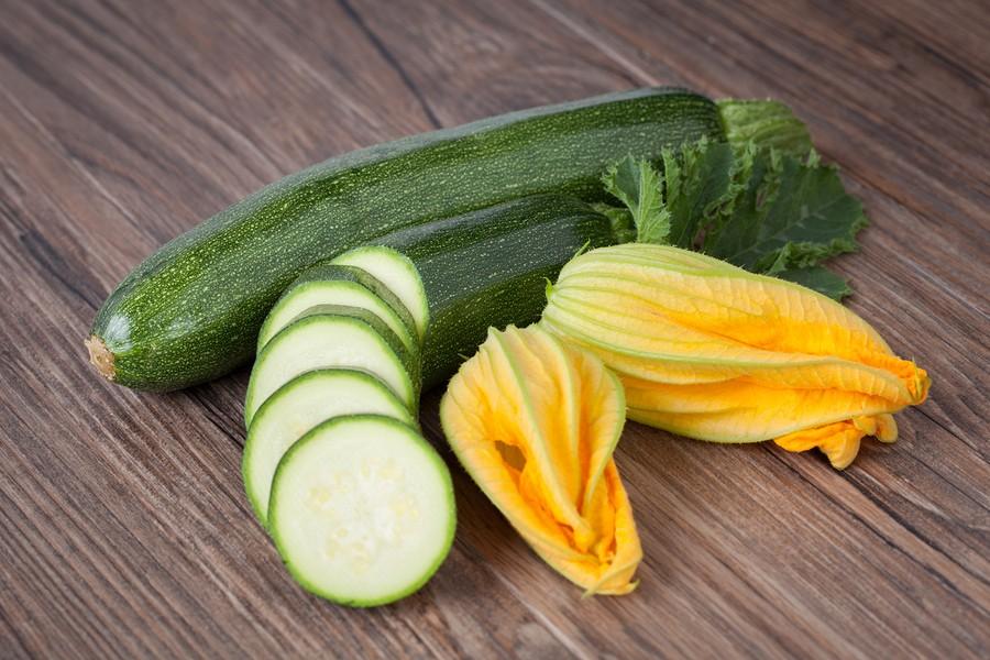 The Squash Scene: Parmesan Zucchini Recipe {Healthy Zucchini | Summer squash recipes}