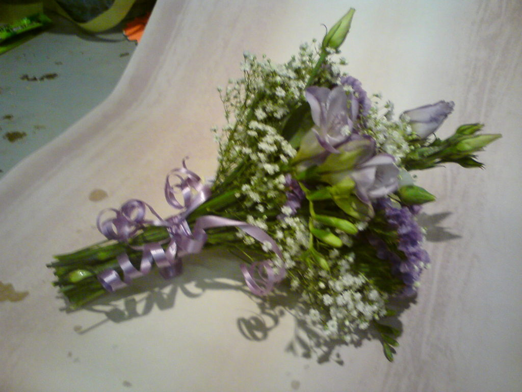 Bridesmaid Handtied's