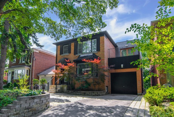 CHIC CONTEMPORARY SHOW STOPPER IN FOREST HILL – 47 WARWICK