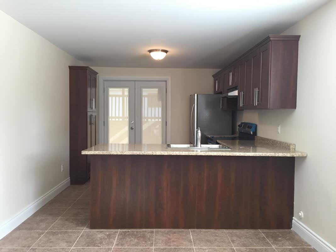 UPSCALE LOWER SUITE IN EAST WINDSOR