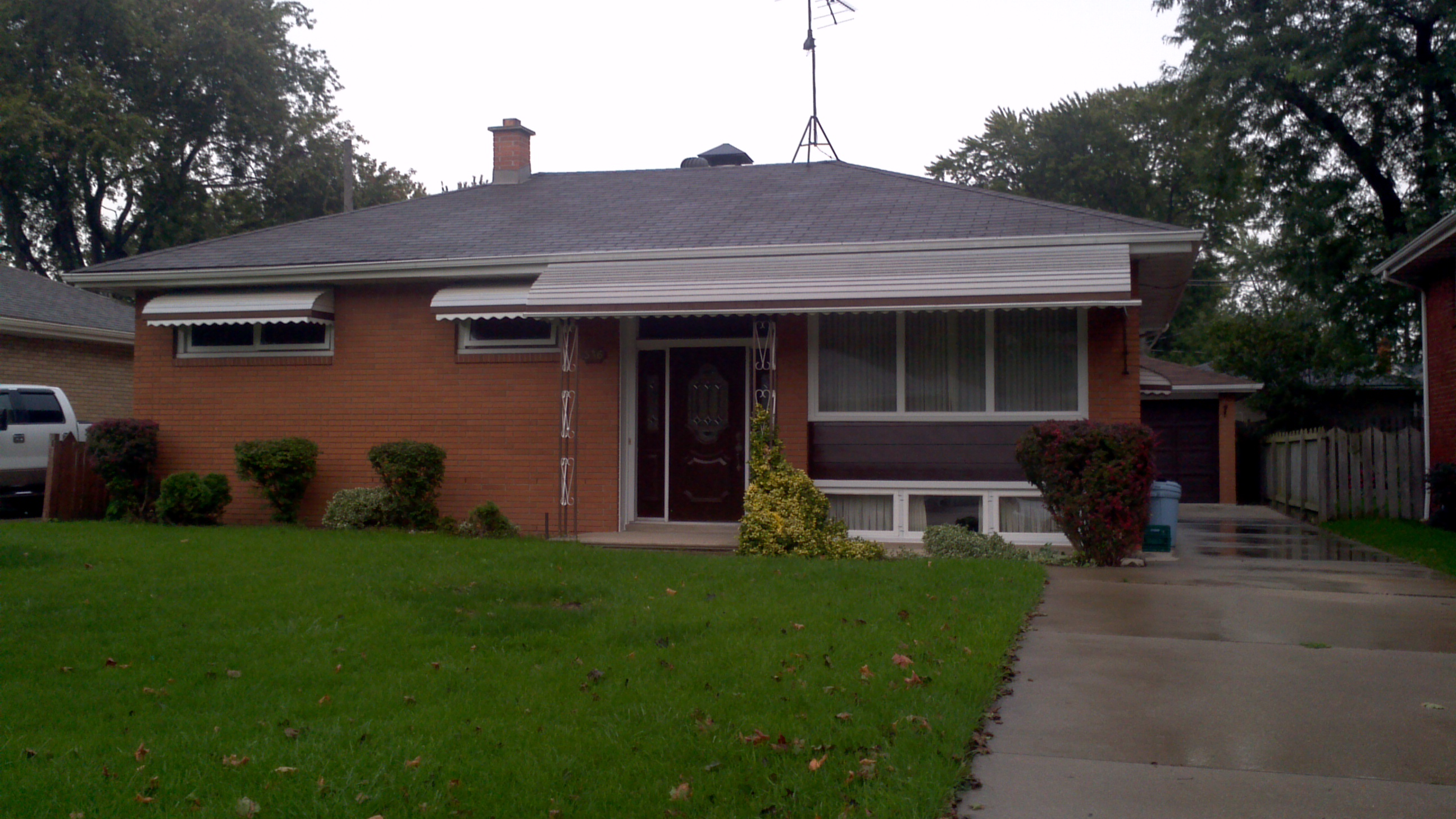 SPACIOUS EAST WINDSOR RAISED RANCH ON QUIET STREET WITH DOUBLE GARAGE