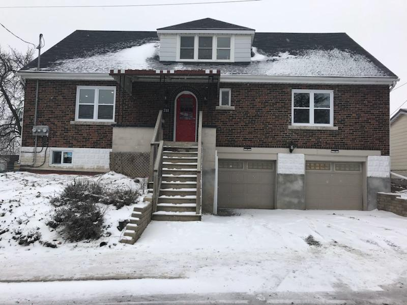 NEWLY RENOVATED BASEMENT UNIT WITH 3 BEDROOMS IN HILL PARK