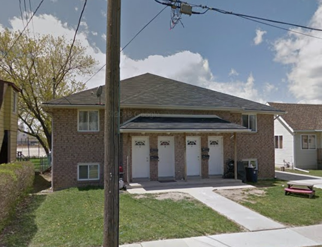 WELL MAINTAINED UNITS FEATURING 3 BEDROOMS IN CENTRAL WINDSOR