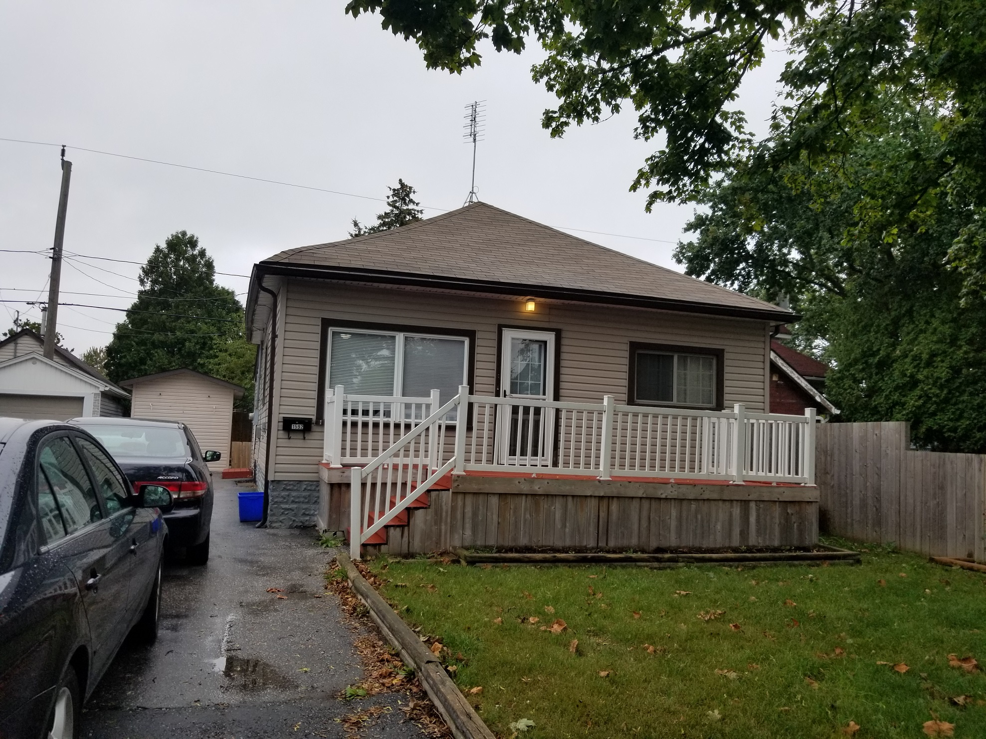 CHARMING 2 BEDROOM BUNGALOW IN CENTRAL WINDSOR