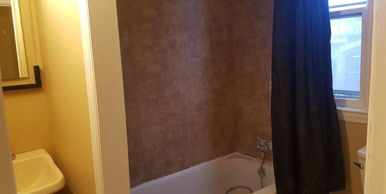 Parent - 1673 - Bathroom