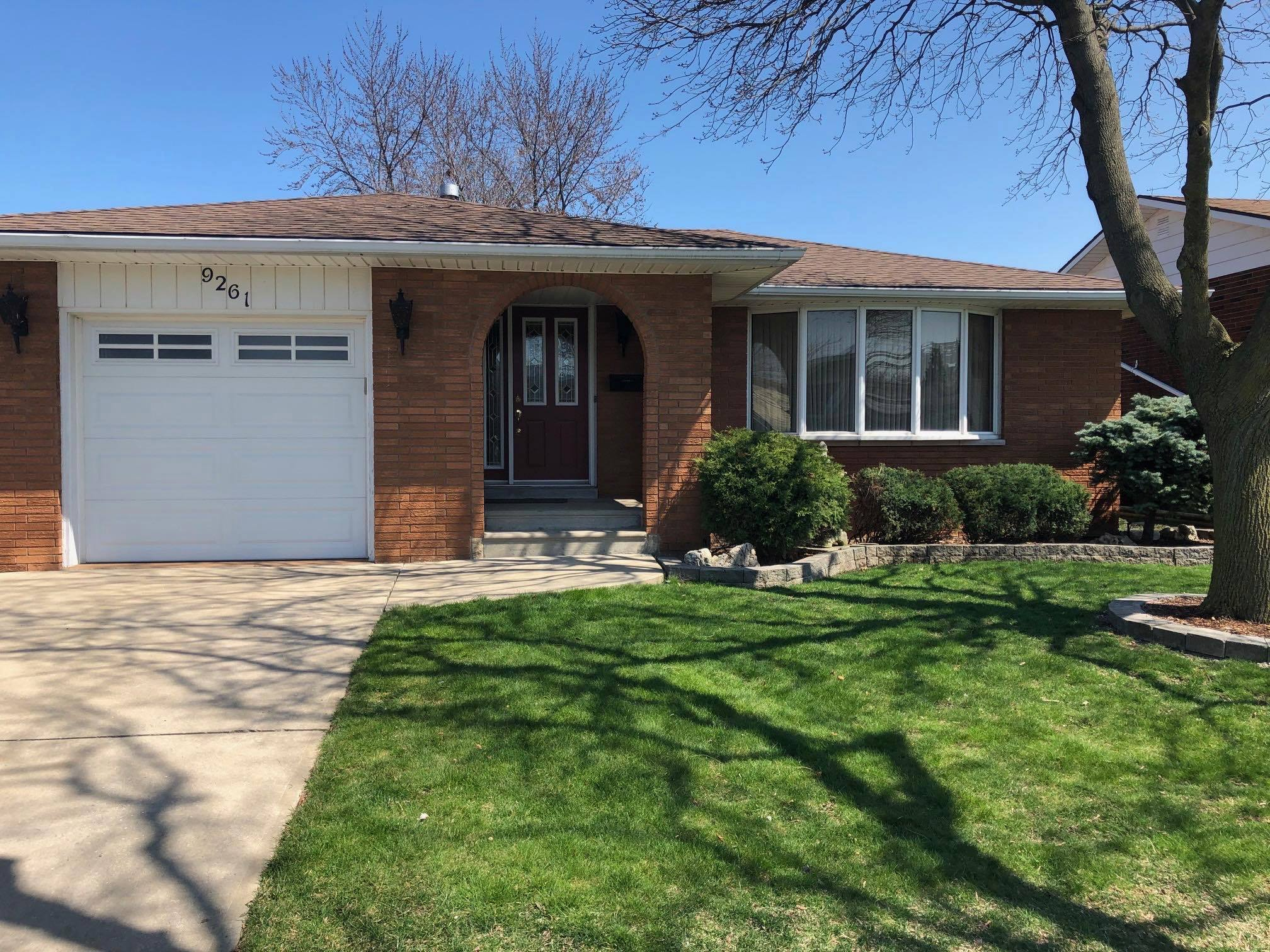 JUST LISTED BACK SPLIT FAMILY HOME IN FOREST GLADE