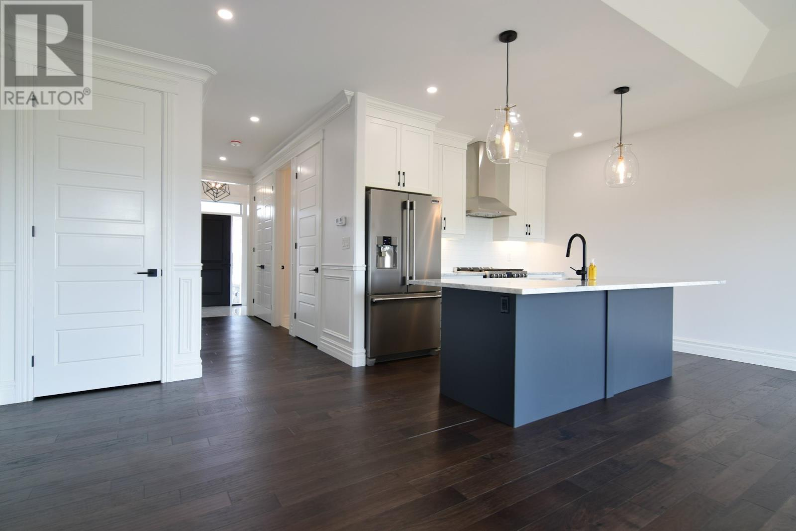BRAND NEW STUNNING RANCH TOWNHOUSE IN LAKESHORE