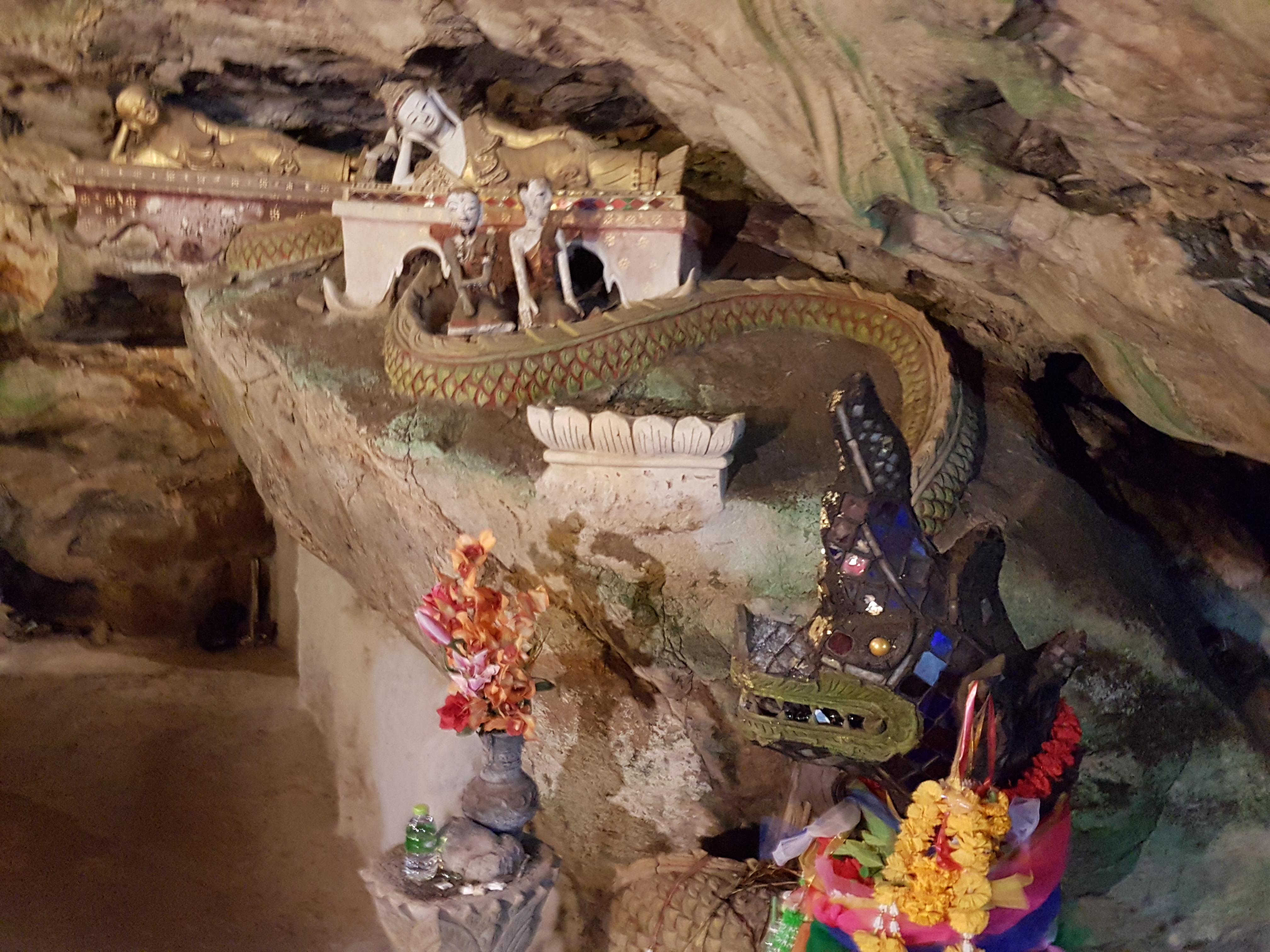Wat Tham Chiang Dao