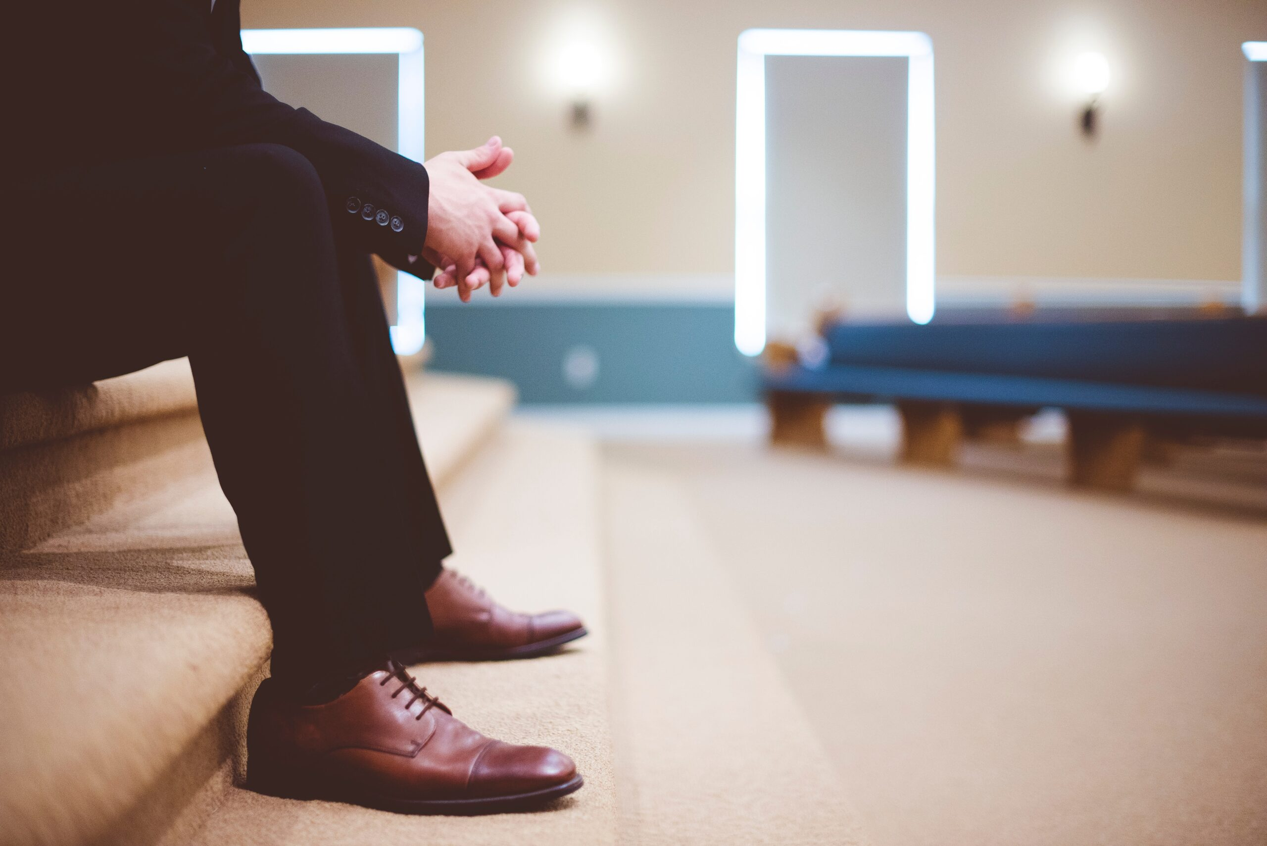 20 Ways to Encourage Your Pastor