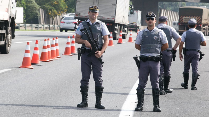 Polícia Rodoviária realiza operação especial de patrulhamento de trânsito.