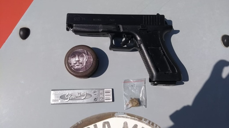 Arma apreendida em escola de Suzano