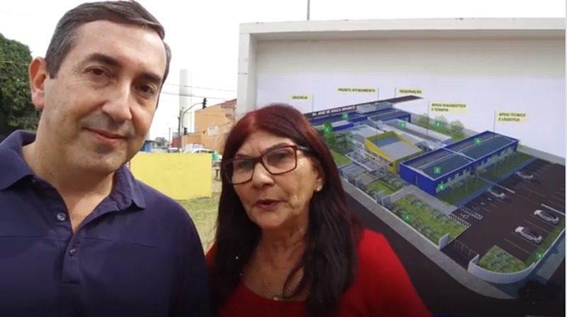 Marcus Melo coloca assessora para falar sobre UPA Jundiapeba