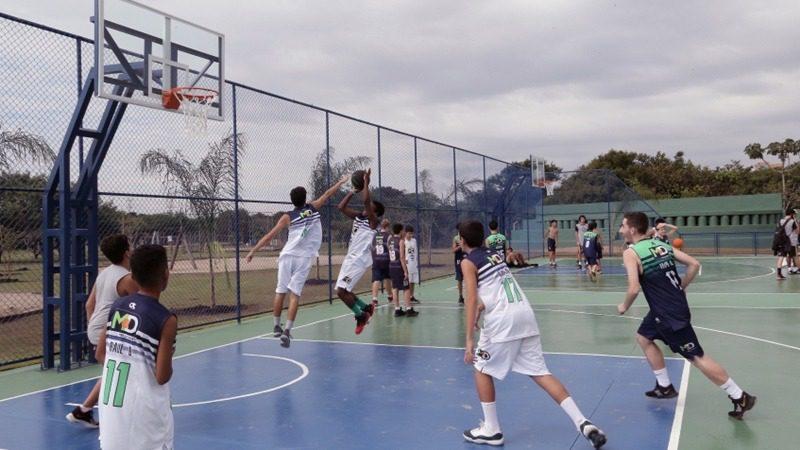 Quadras de Street Ball no Parque Centenário