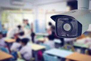 Câmeras em escolas