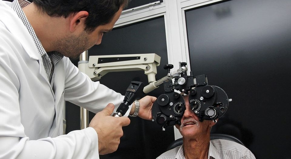 Exame de oftalmologia