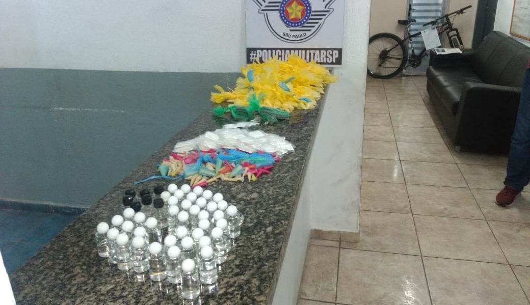 Drogas apreendidas na Vila Pomar