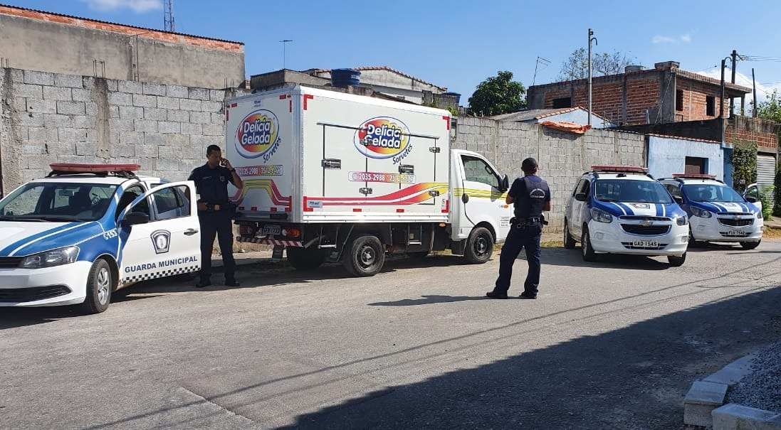 Caminhão recuperado pela Guarda Municipal de Mogi das Cruzes