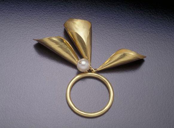 Pearl Petal Ring