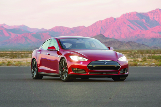 Tesla-Model-S-P90D-front-three-quarter-02-W