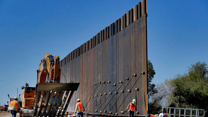 Corte Suprema bloquea fondos a Trump para su muro