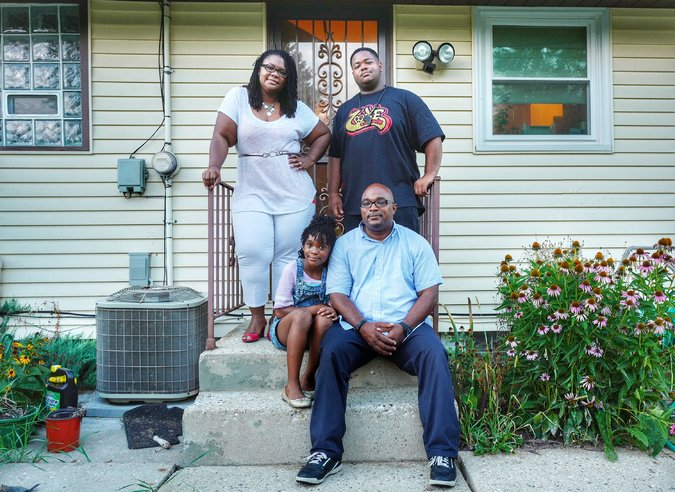 Affluent African Americans more likely to live in Poor Neighborhoods