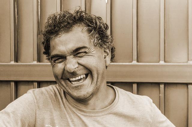 Recupera tu sonrisa con implantes dentales