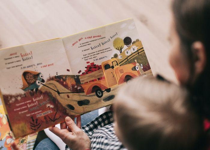 Leer en familia reduce el impacto negativo de la cuarentena