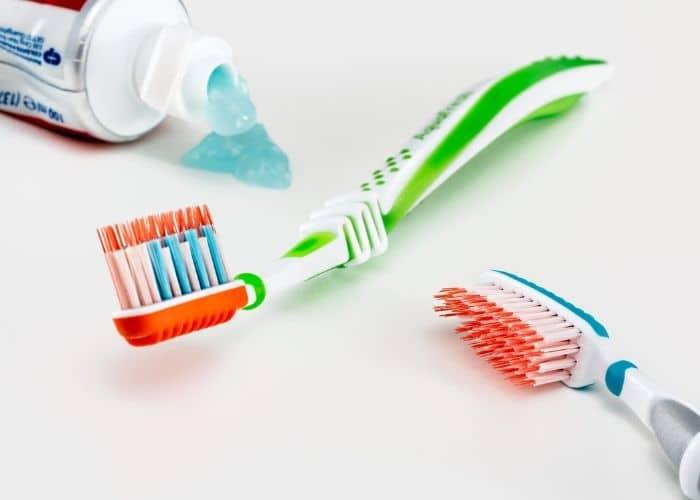 La higiene evita manchas después de la ortodoncia