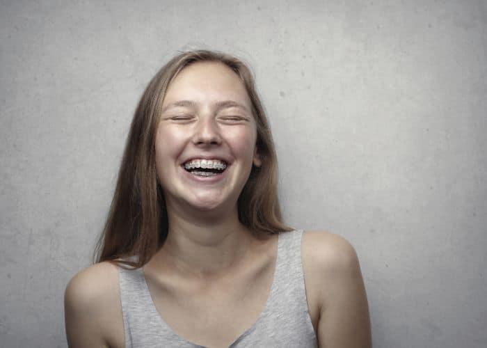 Dientes manchados después de la ortodoncia