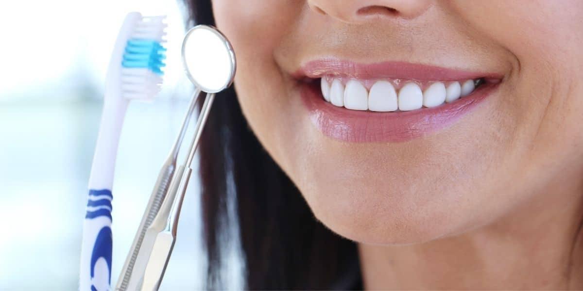 Se debe hacer profilaxis dental al año