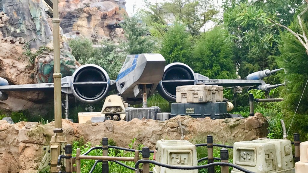 Star Wars Land Fighter ship Tip to visiting Galaxy's Edge