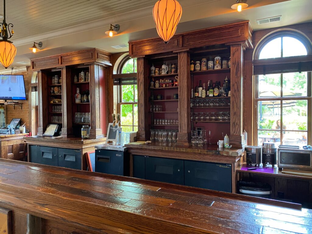 Main bar at Brewery Becker