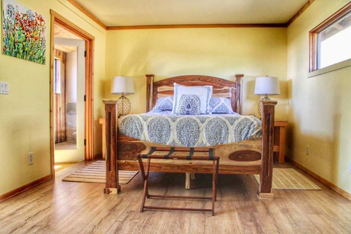 cabin-bedroom