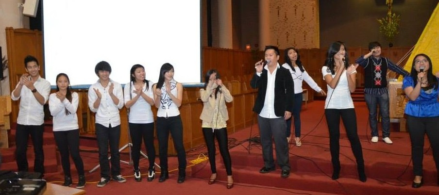 """Jhune Leonardo, Mic Lomocso, Ann Hipolito, Berniece & Marc Reyes and other Ottawa youth performers' touching rendition of """"Heal the World"""""""