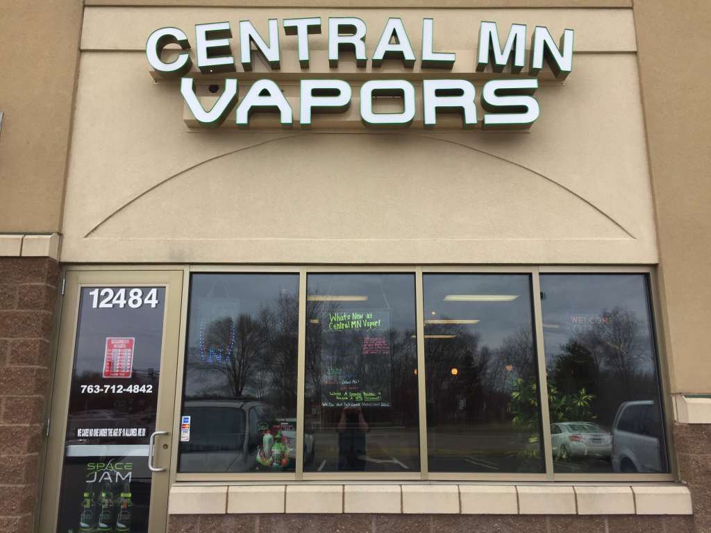 Central MN Vapors Front Pic
